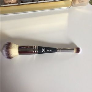 It Complexion Perfection Brush